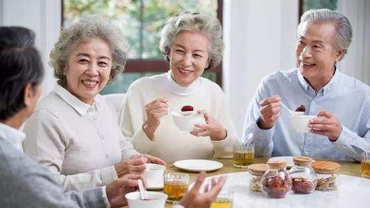 乳果糖调理老年人功能性便秘
